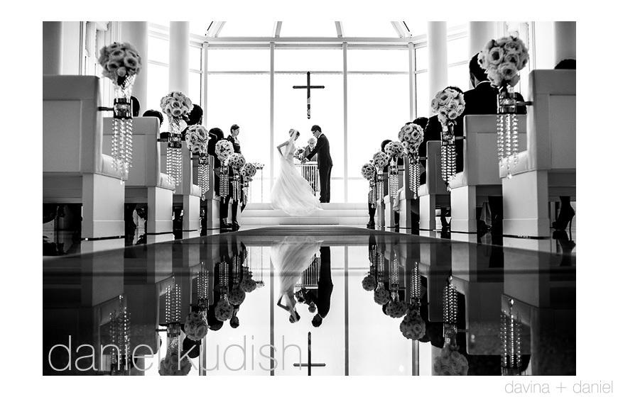 Junebug-weddings-inspiration-1.full