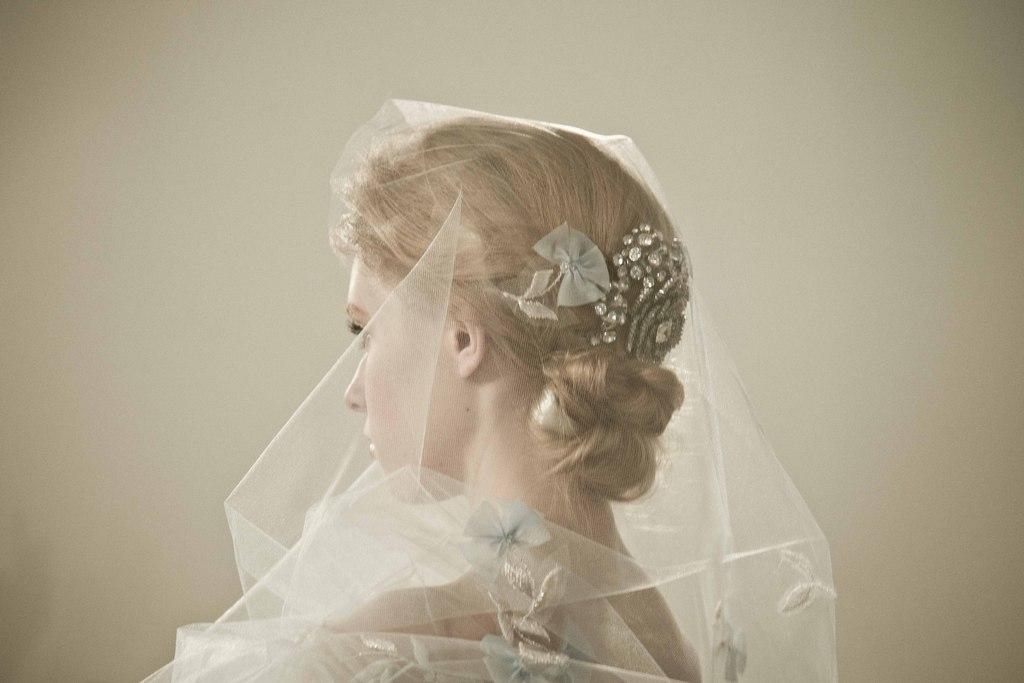 Oscar-de-la-renta-bridal-spring-2014-wedding-dresses-19.full