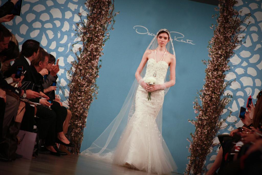 Oscar de la Renta wedding dress Spring 2014 Bridal 1