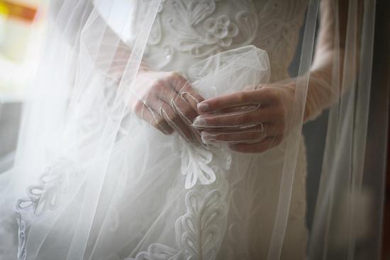 photo of Heavenly Gowns + Jaw Dropping Details from Oscar de la Renta