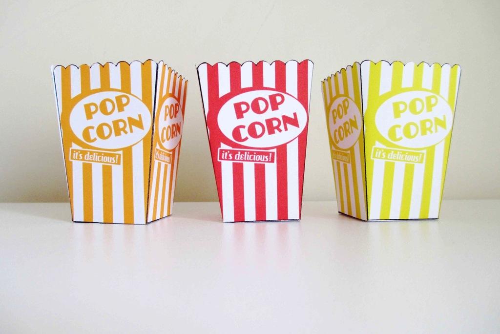 Wedding-reception-snacks-retro-pop-corn-boxes.full