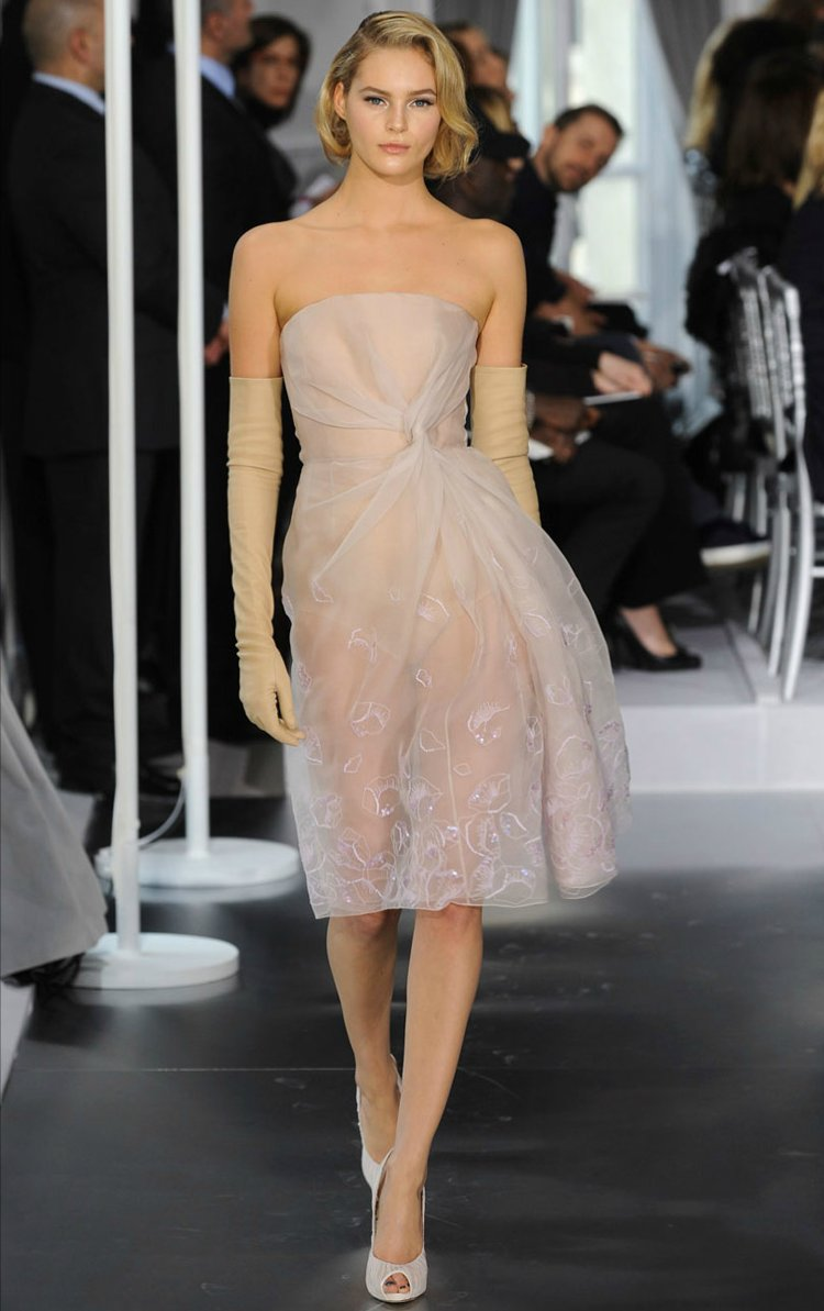 Christion-dior-couture-wedding-dress-for-reception-spring-2012.full