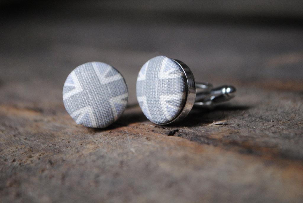 Union-jack-grooms-cufflinks-in-gray.full