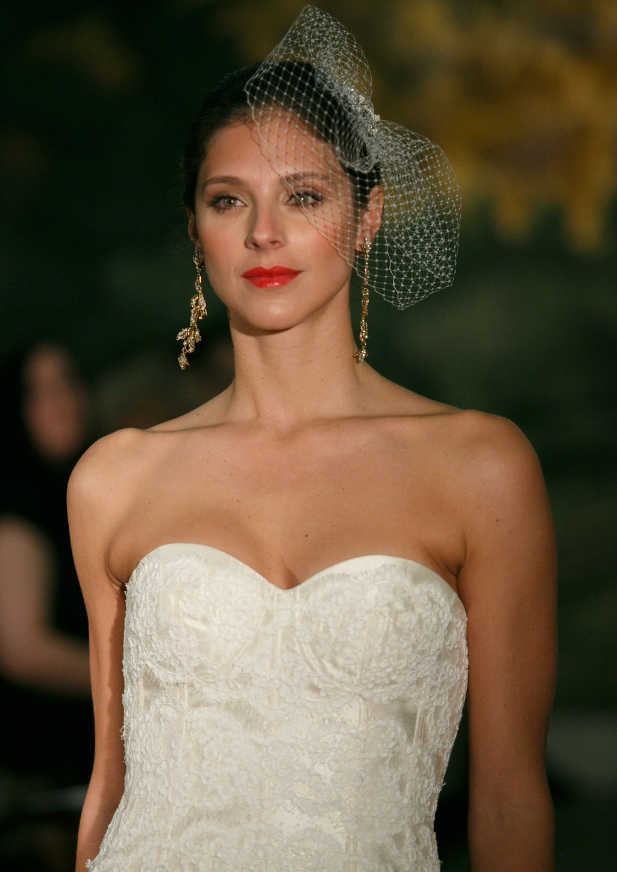 Wedding-dress-by-anne-barge-spring-2014-bridal-morelle.full