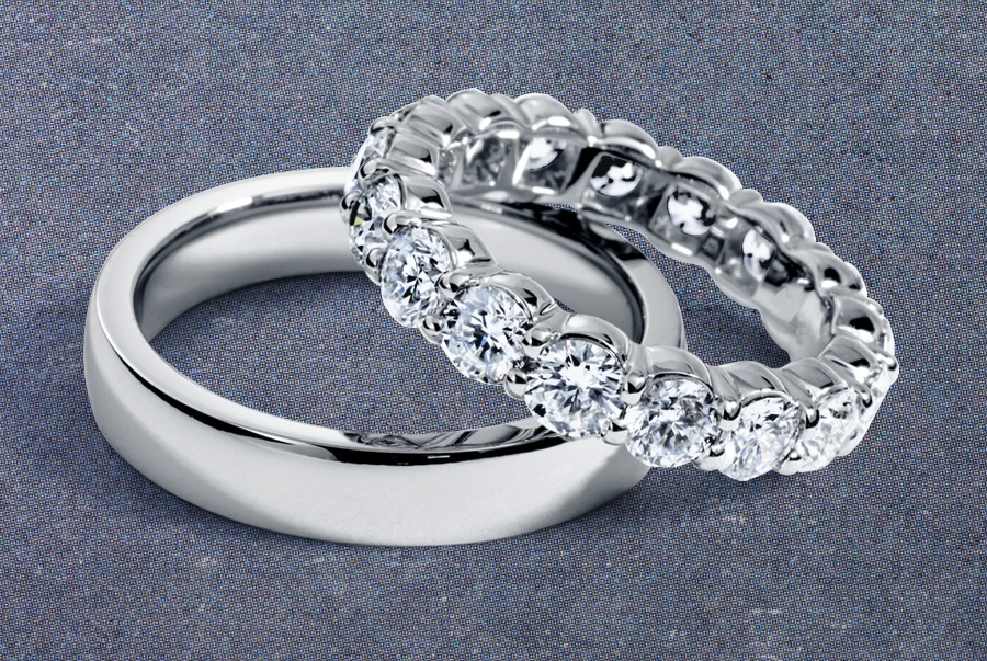 his and hers platinum wedding bands onewedcom With his and hers platinum wedding rings