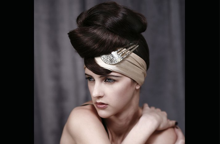Bridal-updo-wedding-hair-accessory-turbin.full