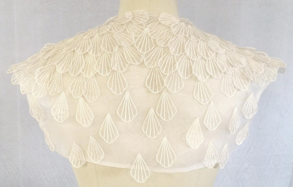 Shell-applique-bridal-bolero.full