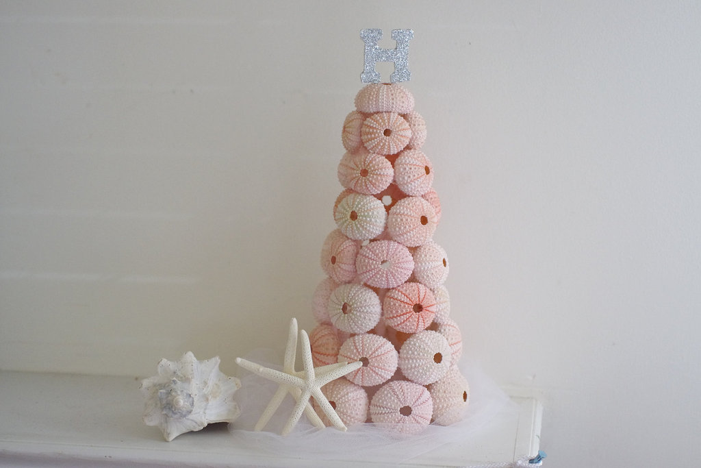 Faux-wedding-cake-of-pink-sea-urchins.full