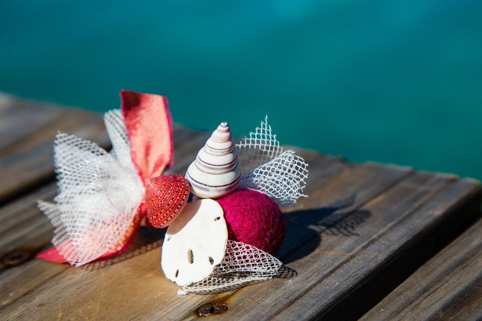 Seashell boutonniere for grooms