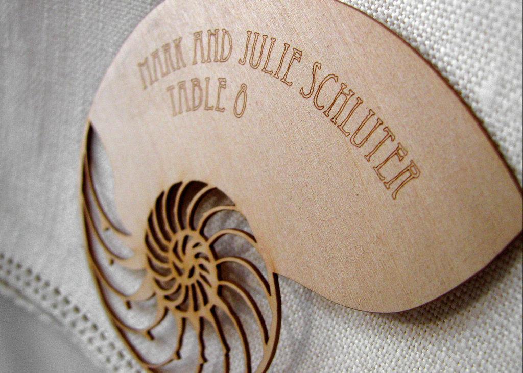 Wood-seashell-escort-card.full