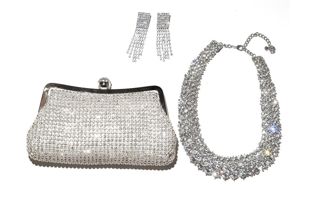 Bebe-bridal-accessories-sparkly-clutch-necklace-earrings.full