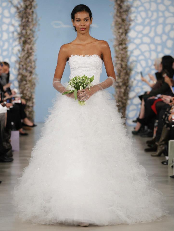 Wedding-dress-by-oscar-de-la-renta-spring-2014-bridal-20.full