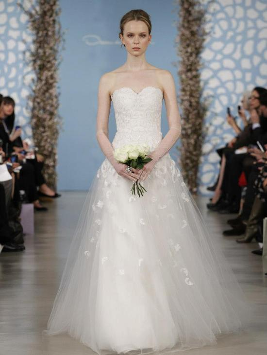Wedding Dress by Oscar de la Renta Spring 2014 Bridal 17