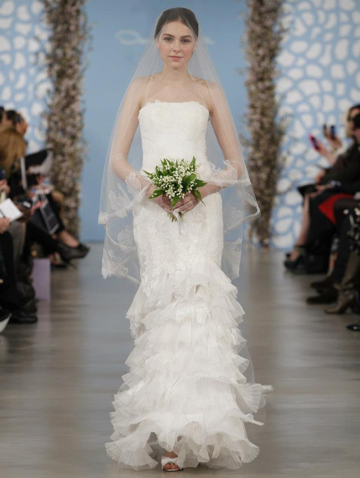 Wedding-dress-by-oscar-de-la-renta-spring-2014-bridal-3.full