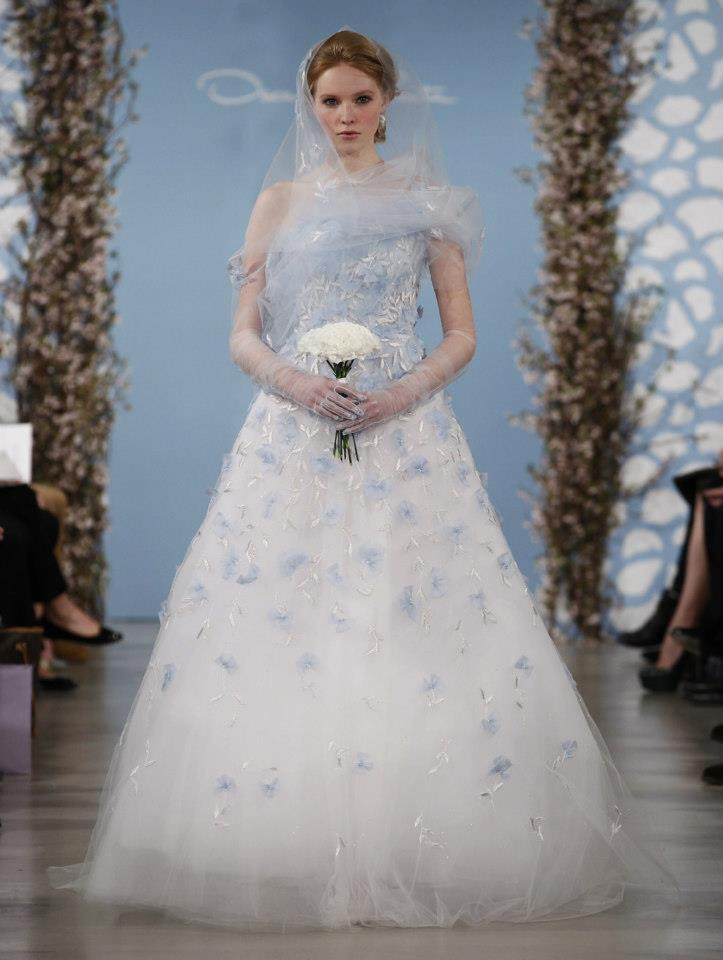 Wedding-dress-by-oscar-de-la-renta-spring-2014-bridal-1.full