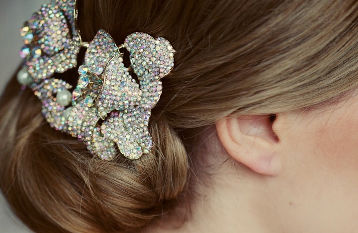 Colorful-crystal-wedding-hair-clip.full