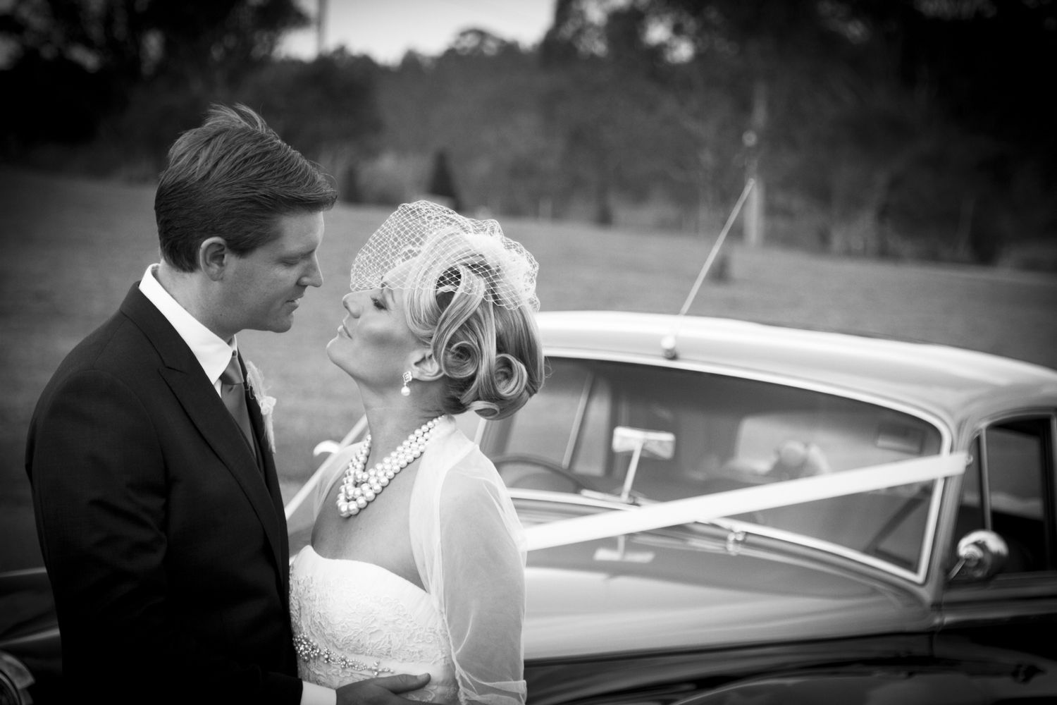 Retro Wedding Hairstyles with Birdcage Veil