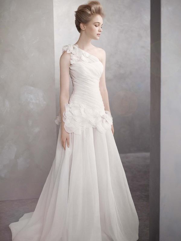 White-by-vera-wang-wedding-dress-spring-2012-bridal-gowns-vw351090.full