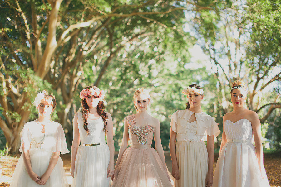 Romantic-wedding-party-with-opulent-bride.full