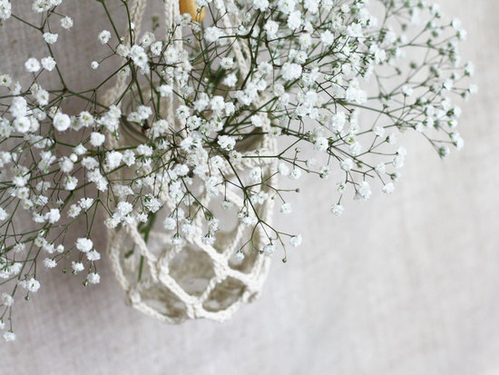 Crochet mason jars with babys breath