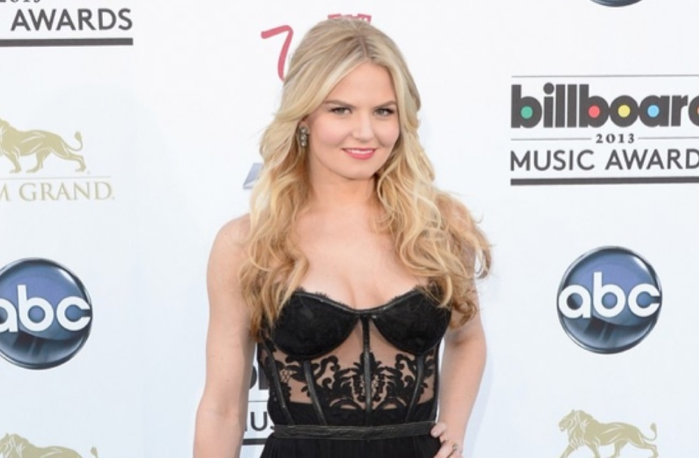 Bridal beauty inspiration Billboard Music Awards 2013 all down hair