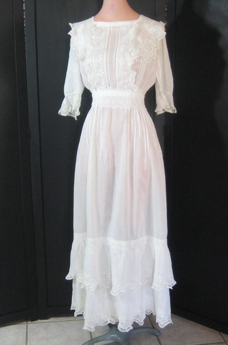 Vintage-wedding-dress-high-neck-sheer-lace.full