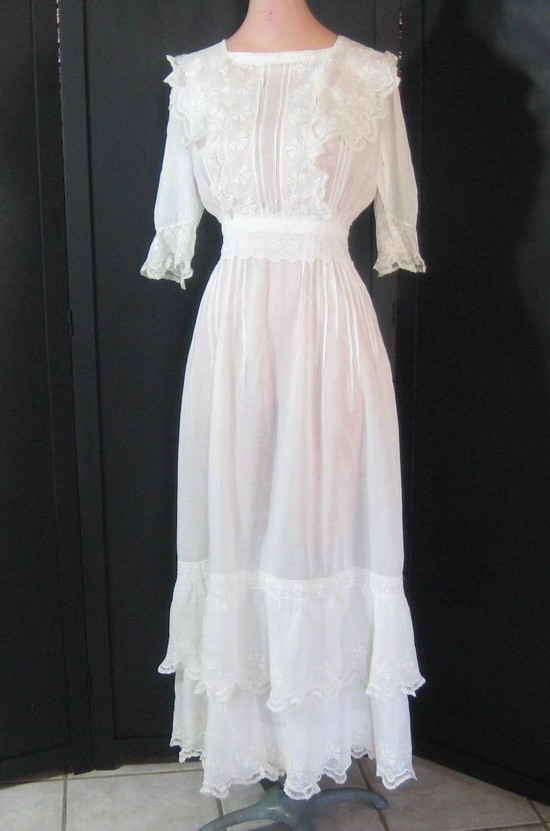 vintage wedding dress high neck sheer lace