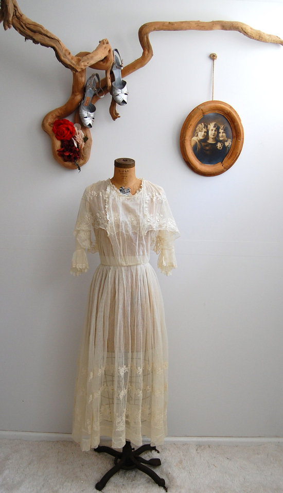 photo of Vintage 1910 wedding dress