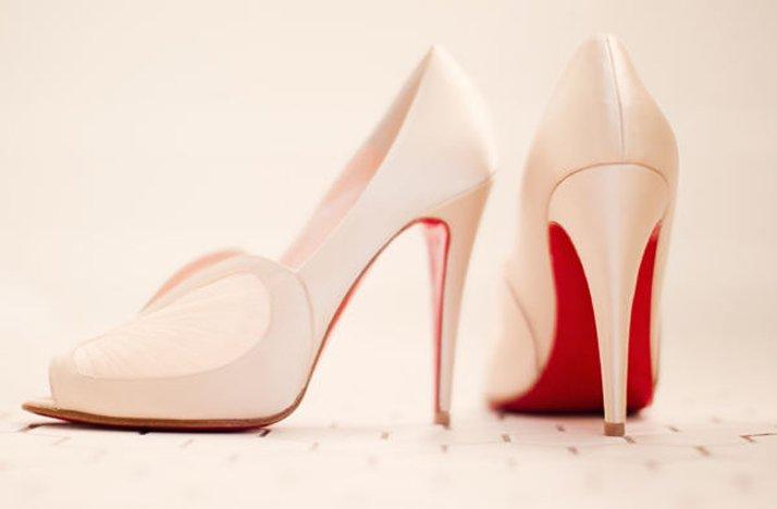 Louboutin-wedding-shoes-ivory-pumps.full