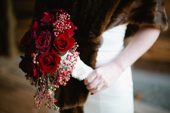 vintage bride red rose bridal bouquet fur shrug