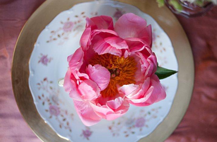 Vintage-wedding-style-pink-peony-wedding-flowers.full
