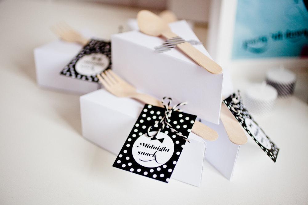 Black-and-white-polka-dot-wedding-favors-labels.full