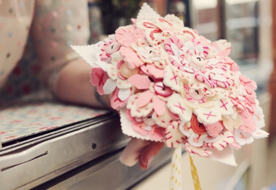 Felt bridal bouquet dots in ivory pink rose