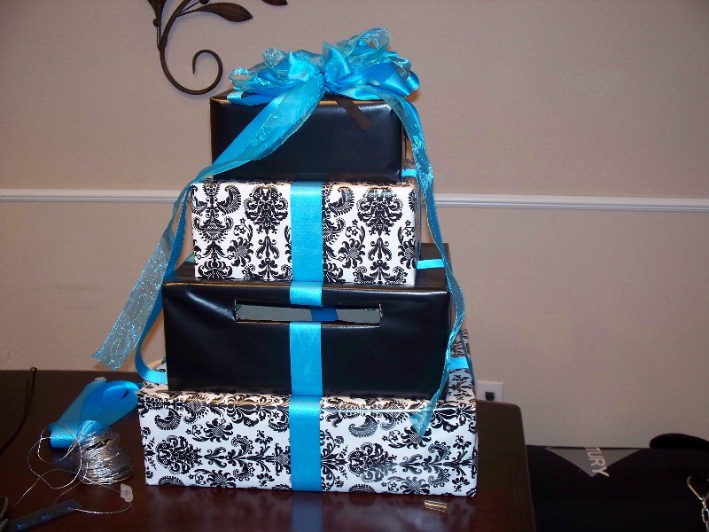 Diy-wedding-cake-box-for-guest-presents.full