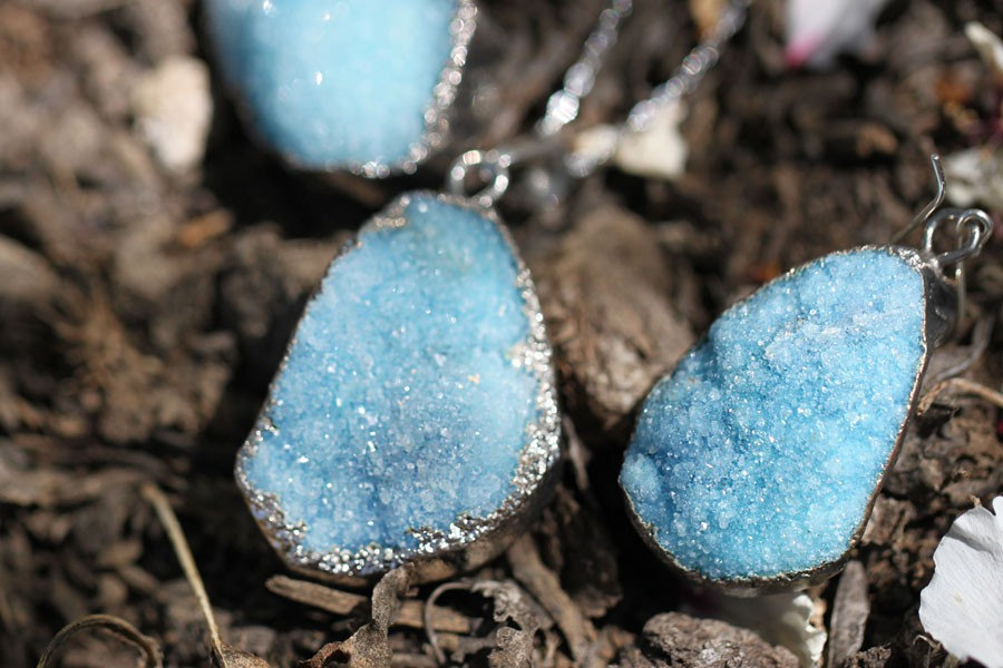 Vintage-something-blue-druzy-bridal-jewelry.full
