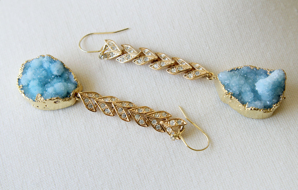 Ice-blue-druzy-and-gold-bridal-earrings.full