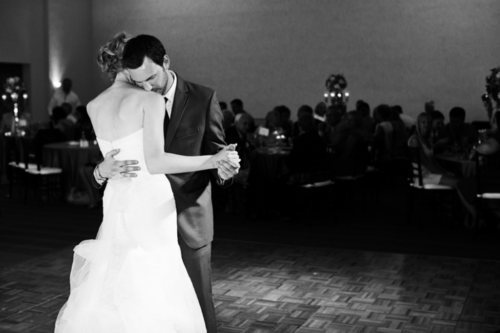 Real Weddings With Military Grooms In Uniform Simple Wedding Cake First Dance