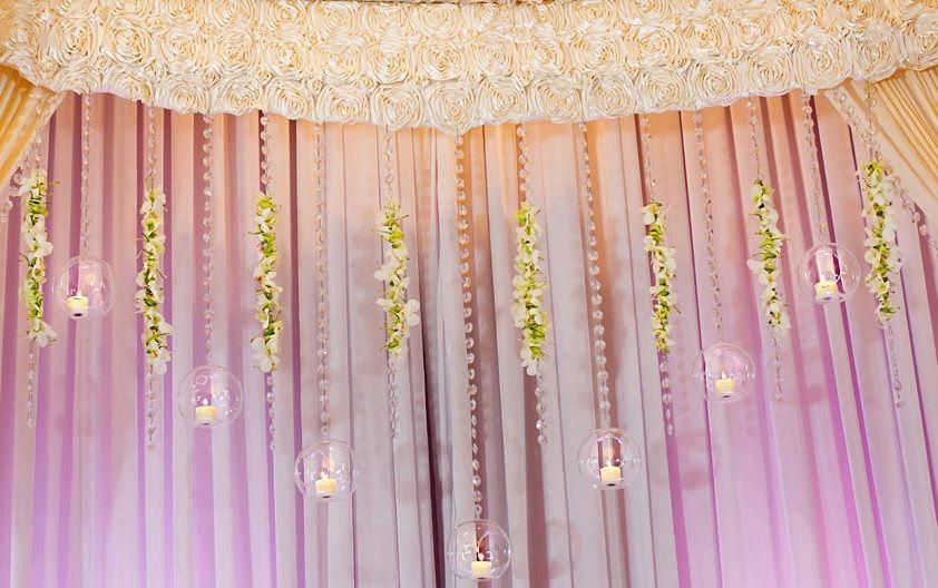 Hanging-crystals-wedding-reception-decor.full