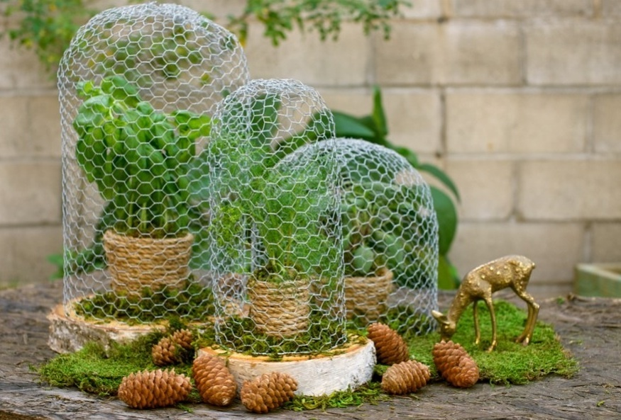 Simple-wedding-diys-to-try-chickenwire-table-accents.full