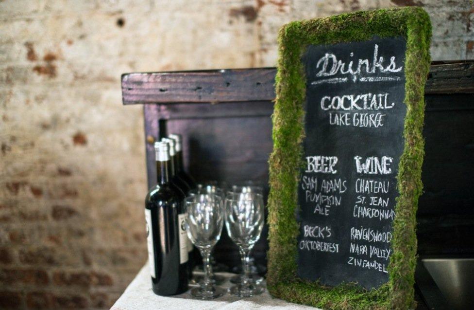Simple-wedding-diys-to-try-moss-framed-cocktail-menus.full