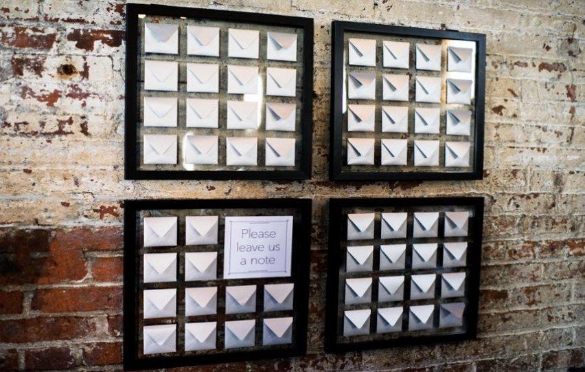 Simple-wedding-diys-to-try-envelope-escort-card-display.full