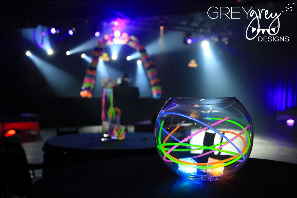 glow stick wedding centerpiece idea