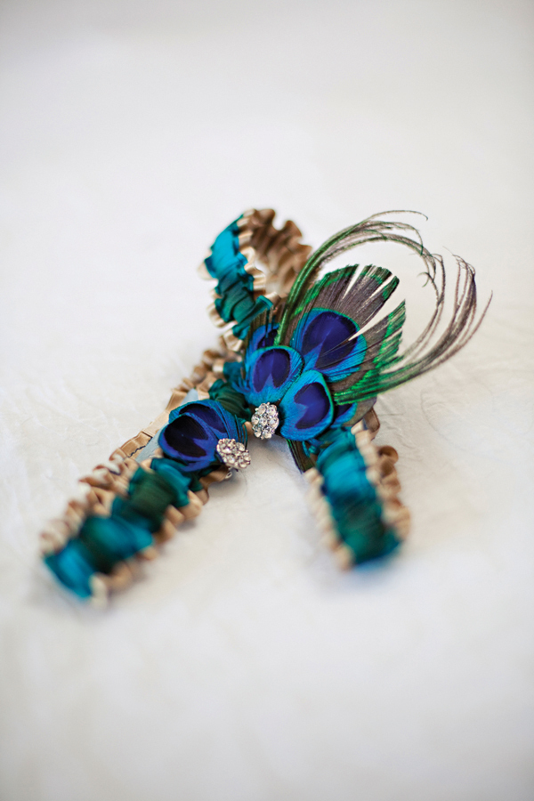Cultural-real-weddings-peacock-blue-gold-bridal-garter.full