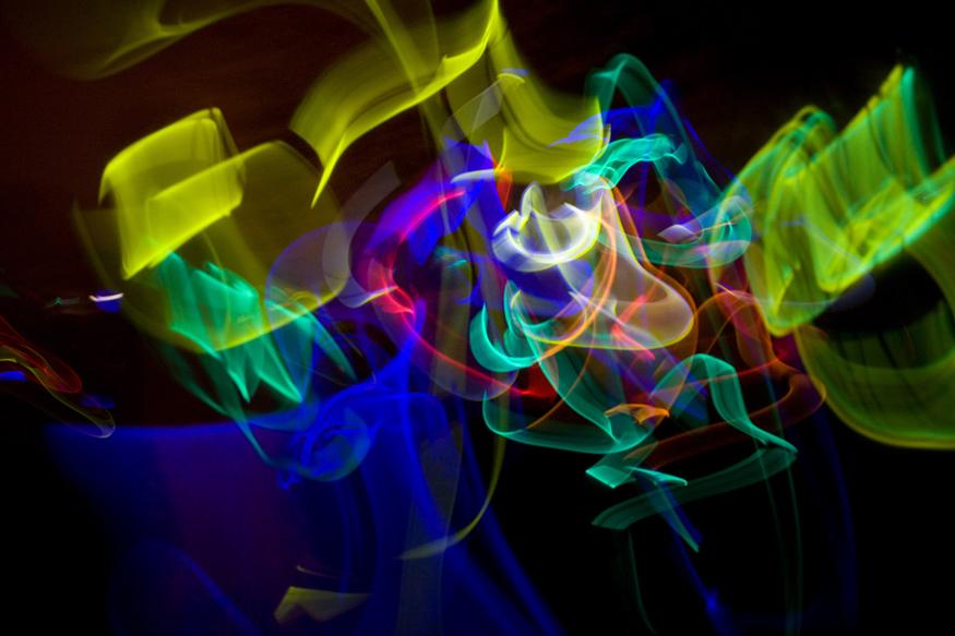 Wedding-reception-dancing-with-glow-sticks.full