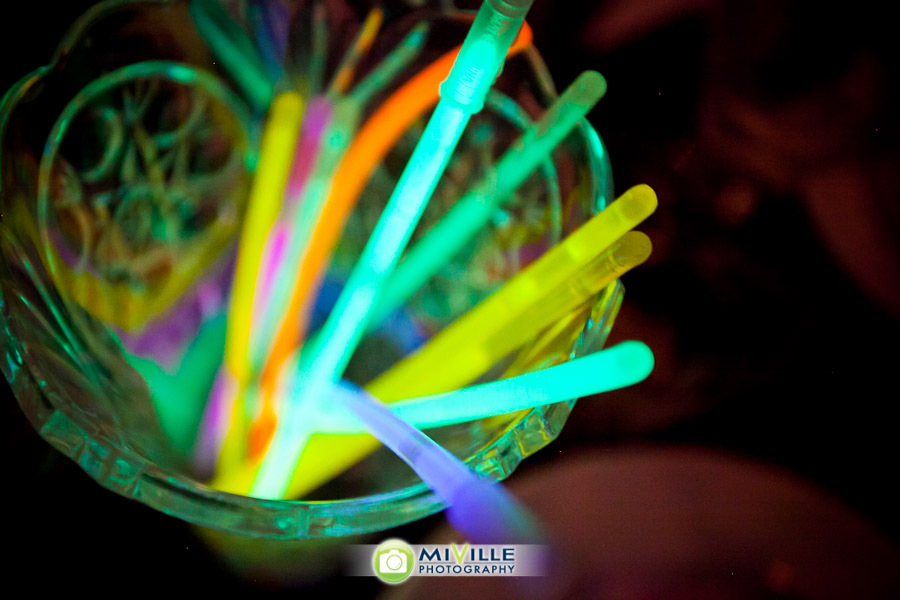 Glow-in-the-dark-colorful-wedding-straws.full