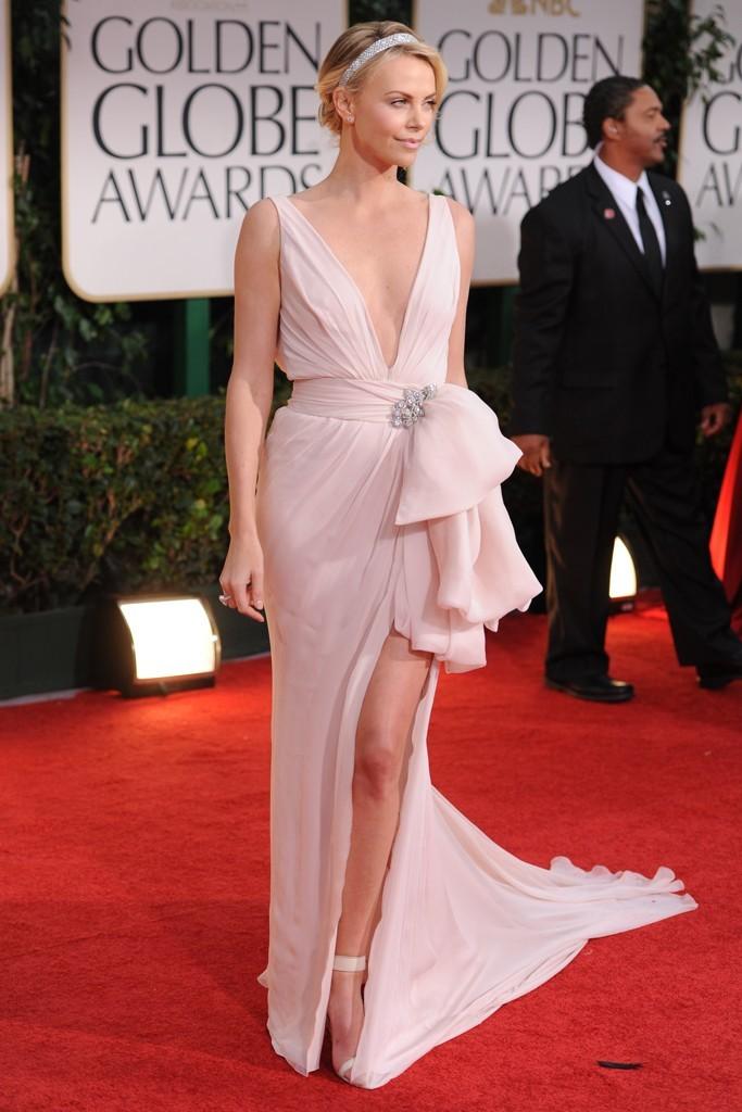 Charlize-theron-2012-golden-globes-wedding-dress-ideas-inspiration.full