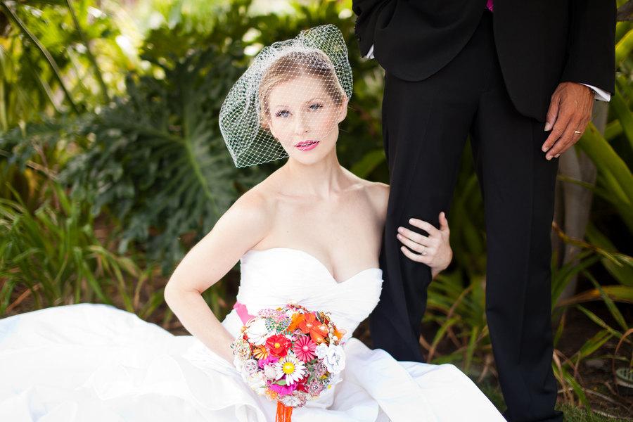 Beautiful-bright-brooch-wedding-bouquet.full