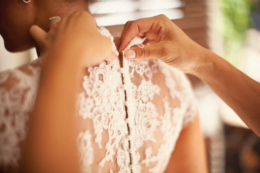 Wedding-dress-detail-shots-to-pin-and-love-1.full