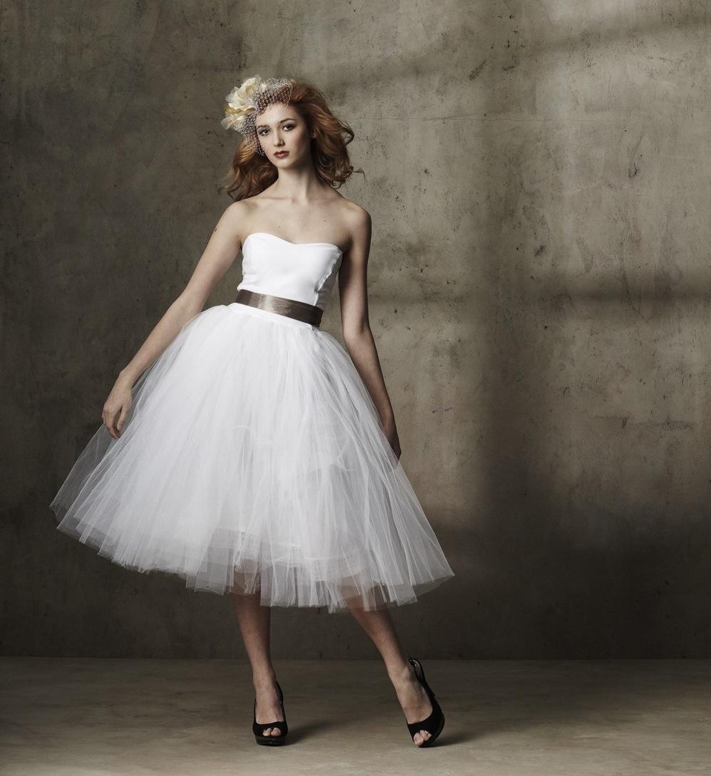 Tea-length-wedding-dress-tulle-strapless.full