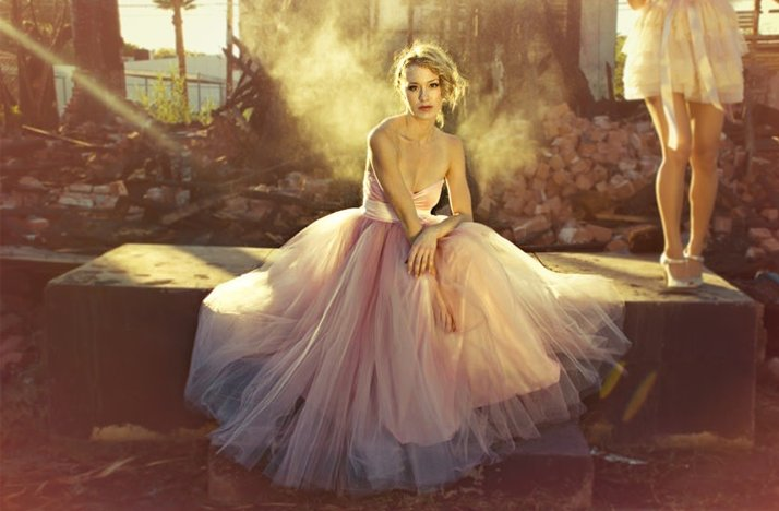 2012 wedding trends non white bridal gowns pink
